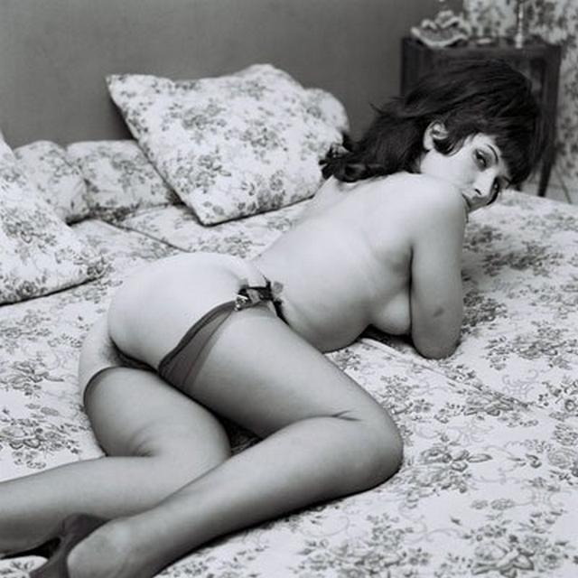 Черно-белые ретро снимки обаятельных девушек - секс порно фото