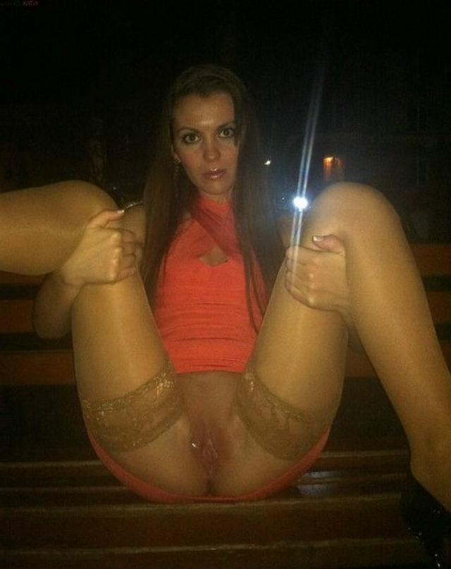 Девушки скучают в одиночестве или бомбят минет - секс порно фото