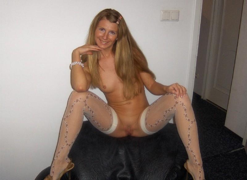 Польская дама обожает флиртовать голышом - секс порно фото