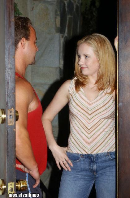 Прекрасная девушка Бритни трахается с любовником - секс порно фото