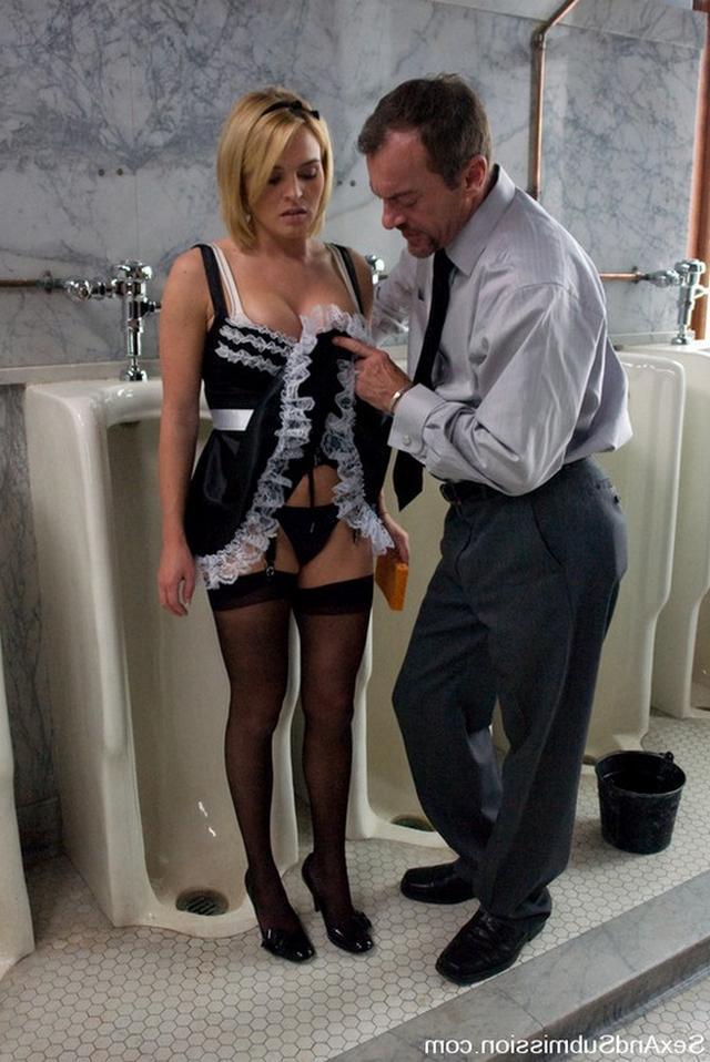 Сексапильные горничные в изумительной униформе - секс порно фото
