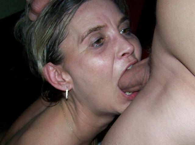 Девушки и женщины любят делать минет мужчинам - секс порно фото