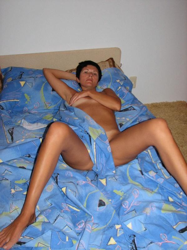 Один день из жизни одинокой брюнетки - секс порно фото