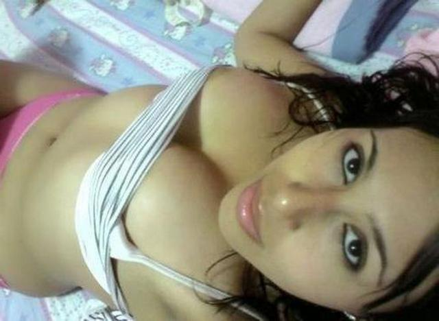 Красивые молодые девушки с большими сиськами показывают себя - секс порно фото