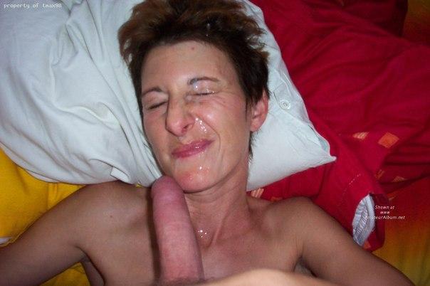 Полные спермы на лице и теле девушки и женщины - секс порно фото